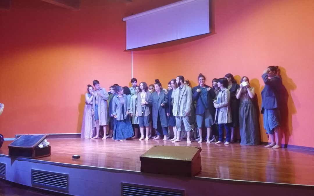 """La compagnia teatrale DesArtibus presenta """" Una candela in mezzo al buio"""""""